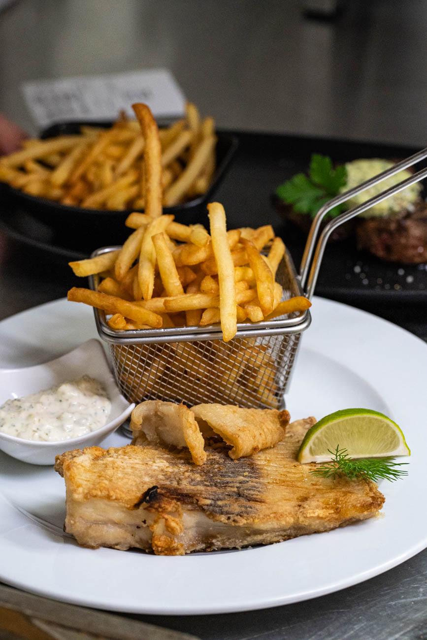 Plat du jour petit stamm, fish and chips